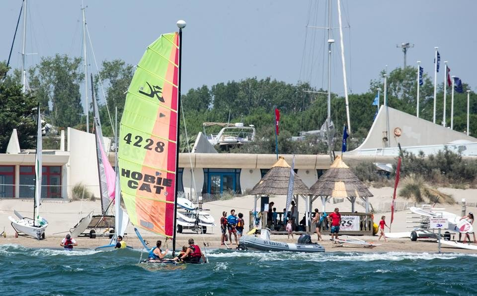 Après-midi au Yacht Club - LSF | Learn French in South of France
